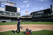 Reusse: There's room to roam in MLB parks, so let's get teams back