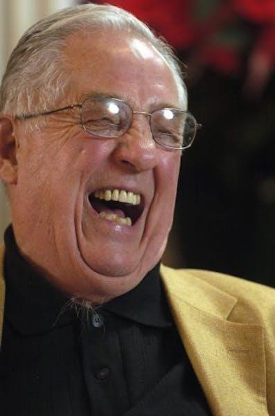Glen Sonmor (2003 photo)