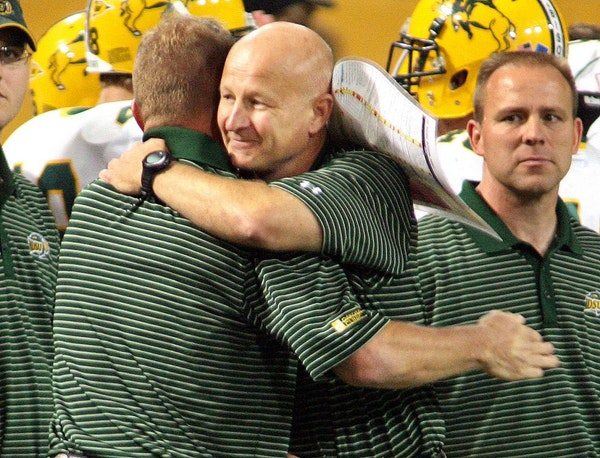 North Dakota State coach Craig Bohl, center, coached the Bison to an upset at Metrodome four years ago, and brings to town another Minnesota-heavy gro