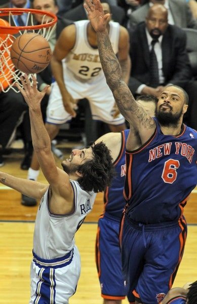 Wolves point guard Ricky Rubio drove past the defense of the Knicks' Tyson Chandler for a layup, putting the Wolves ahead late in the game Friday, but