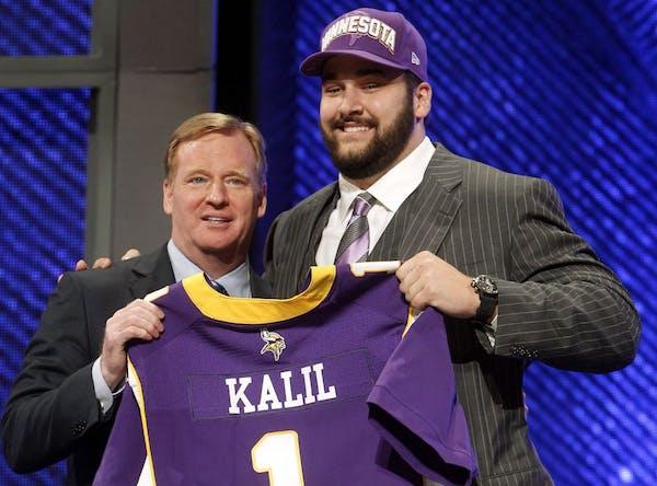 USC left tackle Matt Kalil posed with NFL Commissioner Roger Goodell.
