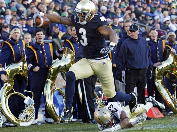 """Michael Floyd rewrote the Notre Dame receiving record book, but not until he met conditions following a drunken-driving arrest last year. """"It's ab"""