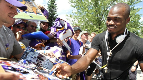 Vikings' Peterson confident in knee and innocence