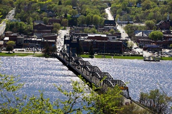 Stillwater bridge looking west from Wisconsin.