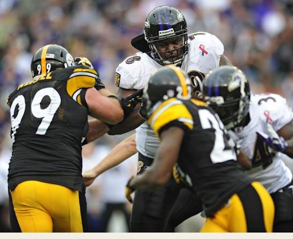 Ravens left tackle Bryant McKinnie