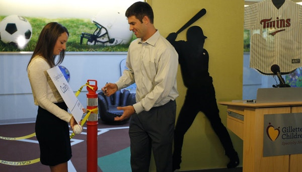 Twins superstar catcher Joe Mauer and his wife, Maddie, are expecting twins.