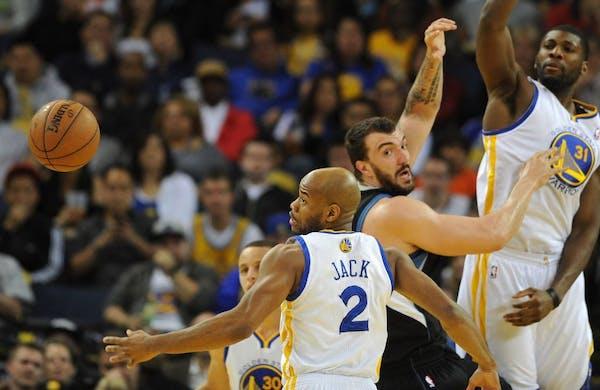 Warriors defeat Wolves, make playoffs