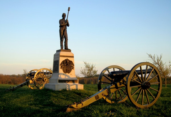 A monument to artillerymen provides quiet testimony to the soldiers who fought at Gettysburg, Pennsylvania. (Diane Stoneback/Allentown Morning Call/MC