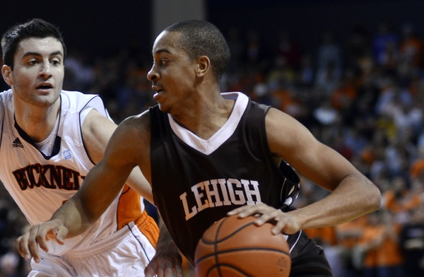 With Lehigh, C.J. McCollum established himself in the 2012 NCAA tournament by scoring 30 points against Duke, but broke his foot in early January of h