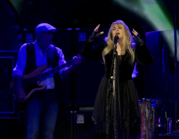 A set list & a few more thoughts about Fleetwood Mac at the X