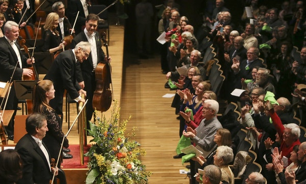 An appreciative audience waved green hankies to welcome back the Minnesota Orchestra and Conductor Laureate Stanislaw Skrowaczewski on Friday, Feb. 7