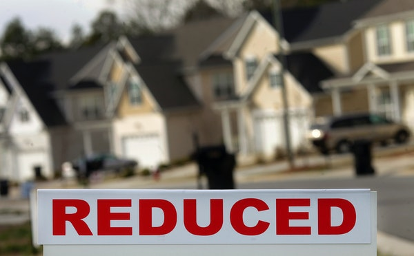 Foreclosures in Minnesota have fallen sharply over the past year and are well below the 2008 peak, new data shows.