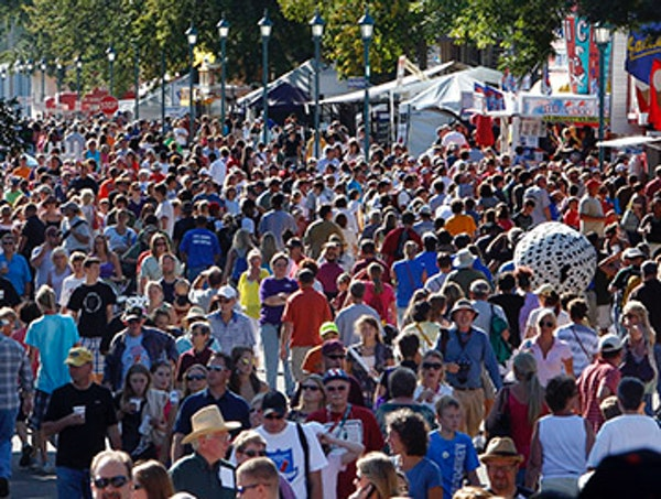 TOM WALLACE • twallace@startribune.com Assignment #20013789A Slug: fair082710 Date: august 26th, _ State Fair opens with what might be record crowds