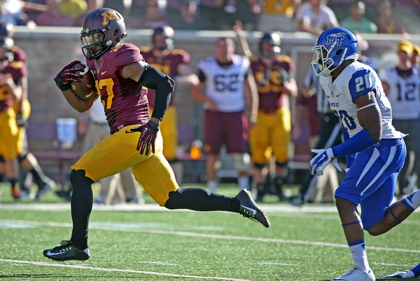 Minnesota senior running back David Cobb ran 48 yards for a touchdown in the third quarter as the Gophers took on Middle Tennessee at TCF Bank Stadium