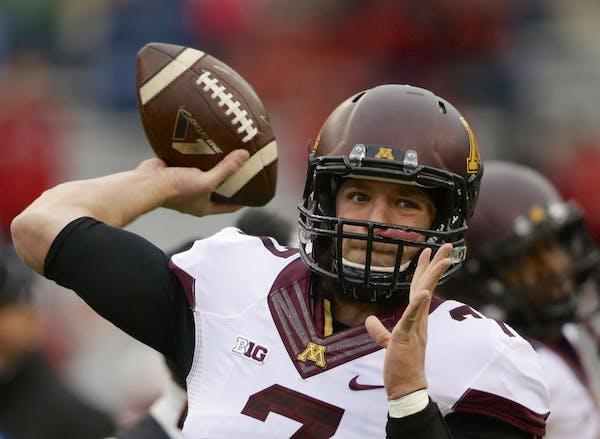 Minnesota quarterback Mitch Leidner (7) throws before an NCAA college football game against Nebraska in Lincoln, Neb., Saturday, Nov. 22, 2014.