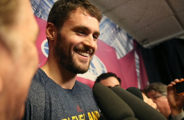 Raw video: Kevin Love returns to Target Center