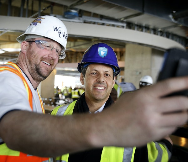 Chad Canesi took a selfie with Vikings owner Mark Wilf on Friday.