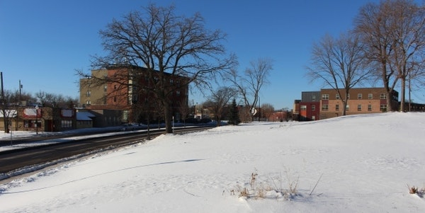 West Broadway site offers test for North Side housing