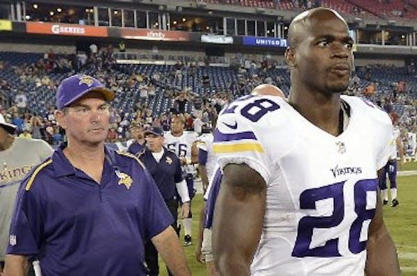 Vensel: Vikings focused on keeping, not trading, Peterson