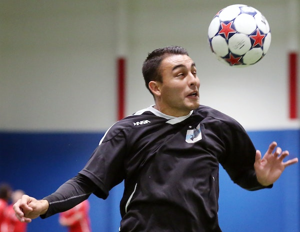 Miguel Ibarra worked on headers during Minnesota United soccer practice Thursday April 2, 2015 at National Sports Center in Blaine, Minnesota. ] Jerry