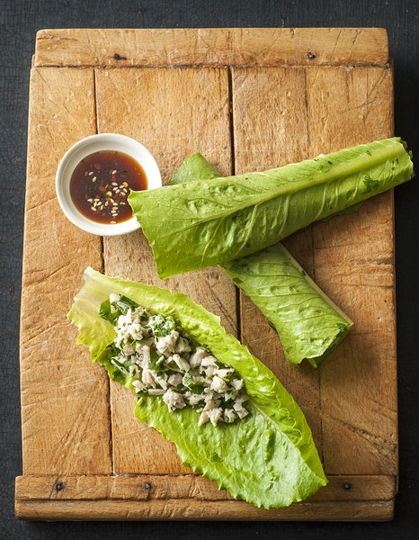 Chicken Lettuce Wraps With Spicy Dipping Sauce