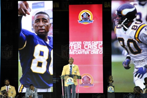 Former Vikings wide receiver and Hall of Fame inductee Cris Carter.
