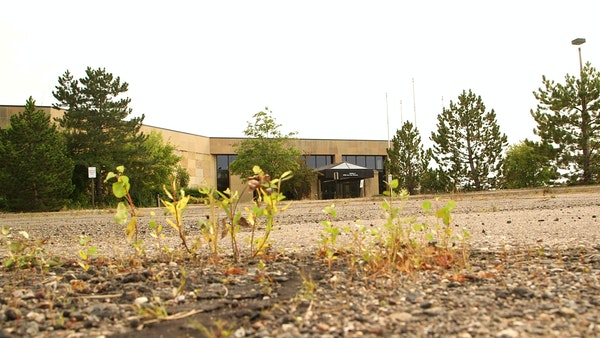 The Minnesota Vikings have a purchase agreement for two parcels on 194 acres in Eagan just south of Interstate 494, the former headquarters of Northwe