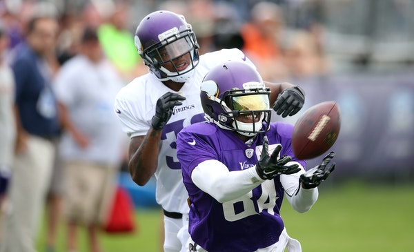 Cordarrelle Patterson missed a catch as Josh Thomas played defense during Vikings training camp. Thomas is one of seven cornerbacks on the roster.