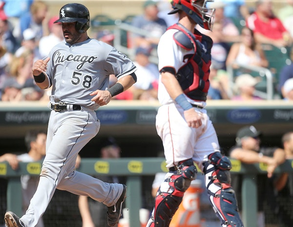 Chicago White Sox' Geovany Soto (58) scored on an extra base hit by pinch hitter J.B. Shuck during the 7th inning of the Minnesota Twins 6-4 loss to t