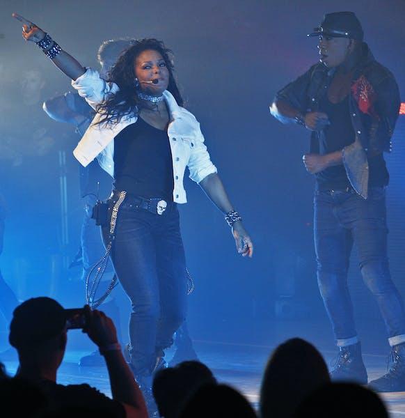 Janet Jackson in concert at Orpheum Theatre. ](MARLIN LEVISON/STARTRIBUNE ) mlevison@startribune.com