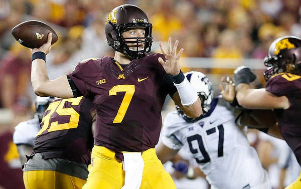Gopher quarterback Mitch Leidner (7) attempted a pass in the third quarter against TCU.