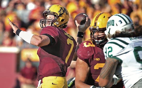 Minnesota quarterback Mitch Leidner