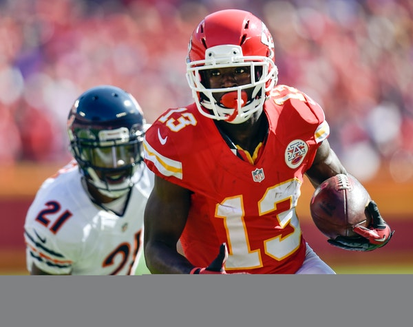 Kansas City Chiefs wide receiver De'Anthony Thomas (13) beats Chicago Bears strong safety Ryan Mundy (21) to the endzone for a touchdown during the se