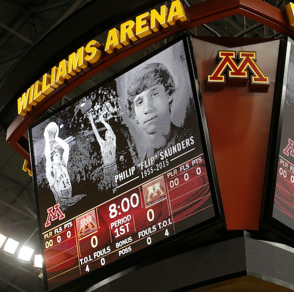 Williams Arena observed a moment of silence Sunday before a U scrimmage.