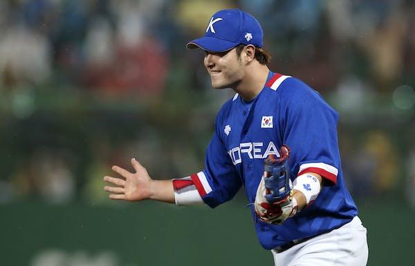 First baseman Byung-ho Park