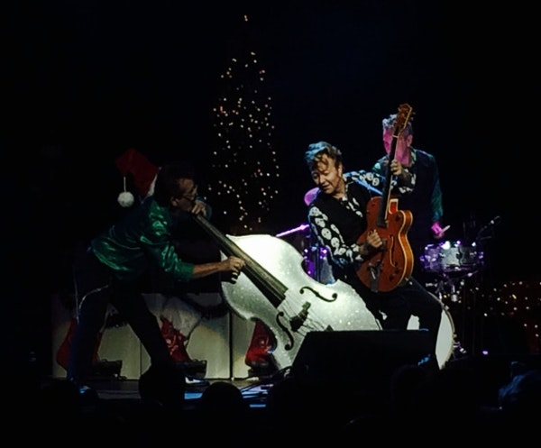 Jump, jive and wow: Brian Setzer rocks this town in premature Christmas show