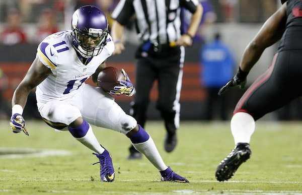 Vikings receiver Mike Wallace (11)