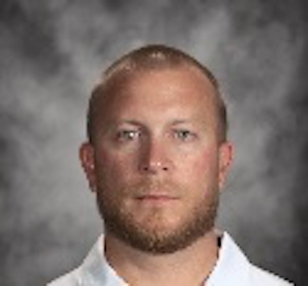 Gophers football coach Tracy Claeys chose tight ends coach Rob Reeves to be the team's offensive coordinator for the Quick Lane Bowl.
