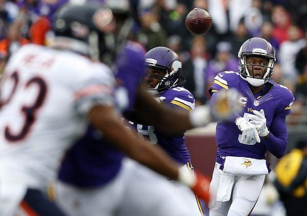 Minnesota Vikings quarterback Teddy Bridgewater (5).