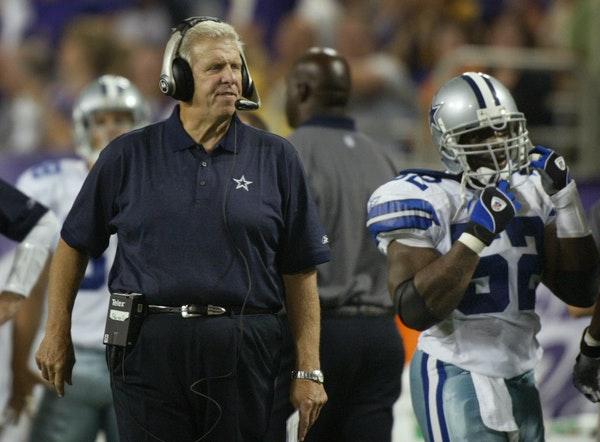 Former NFL coach Bill Parcells with Dallas in 2004.