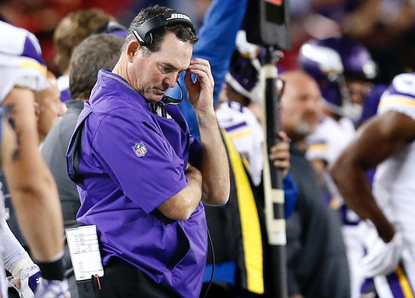 Vikings head coach Mike Zimmer in the fourth quarter of the season-opening loss to the 49ers.