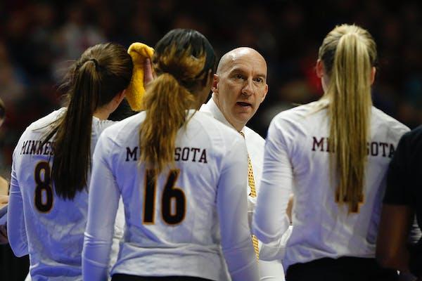 Minnesota head coach Hugh McCutcheon