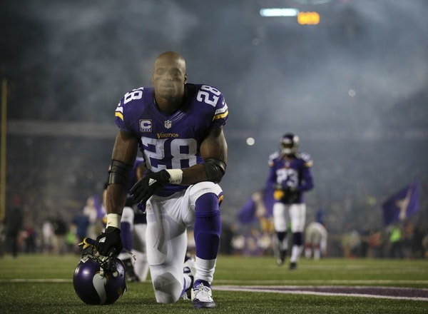 Adrian Peterson paused after he took the field before the Vikings' final regular-season home game on Dec. 28 against the Giants.