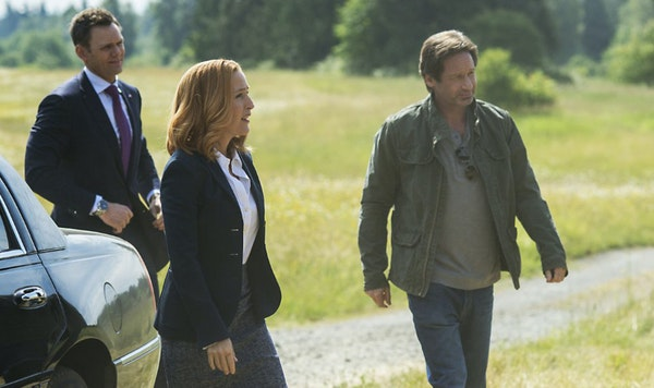 """Joel McHale, left, Gillian Anderson and David Duchovny in """"The X-Files."""""""
