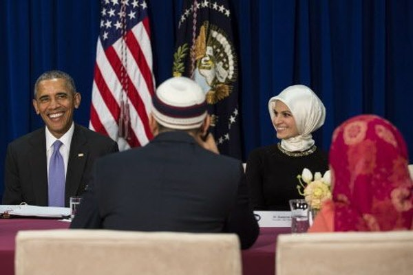 President Barack Obama meets with Muslim community members at the Islamic Society of Baltimore, in Baltimore, Md., Feb. 3, 2016. The meeting, a round-