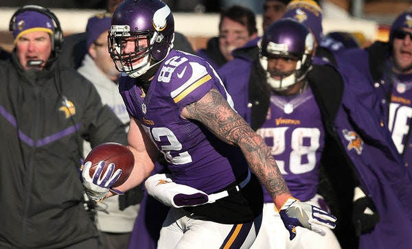 Vikings tight end Kyle Rudolph picked up 24 yards on a reception late in the fourth quarter against the Seahawks at TCF Bank Stadium on Jan. 10.