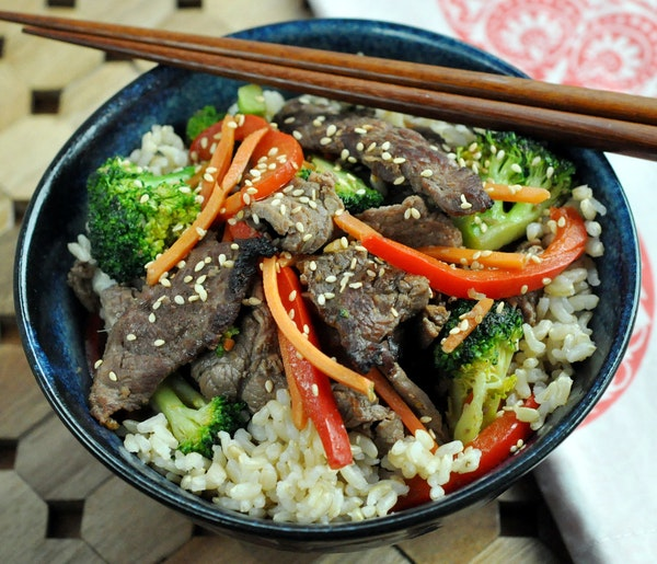 Korean Beef and Vegetable Rice Bowls