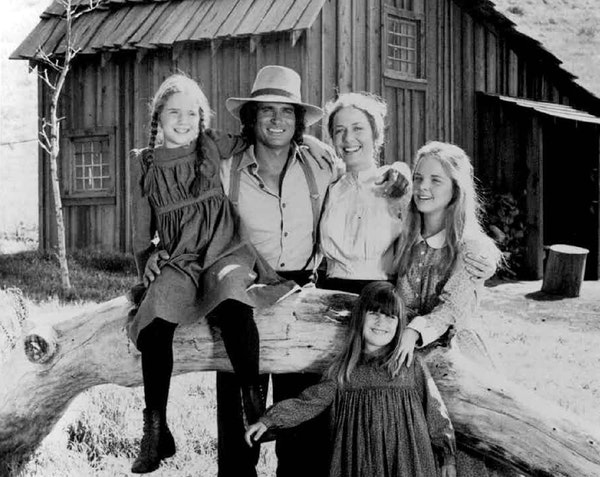 """Melissa Gilbert and the original cast of """"Little House on the Prairie."""""""