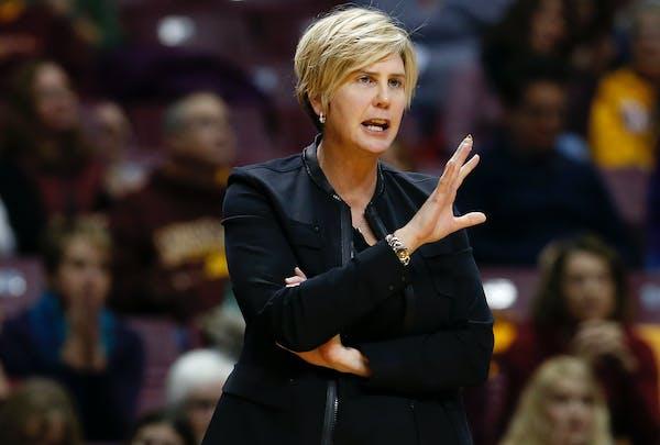 Gopher head coach Marlene Stollings in the second half. ] CARLOS GONZALEZ � cgonzalez@startribune.com - December 28, 2015, Minneapolis, MN, Williams