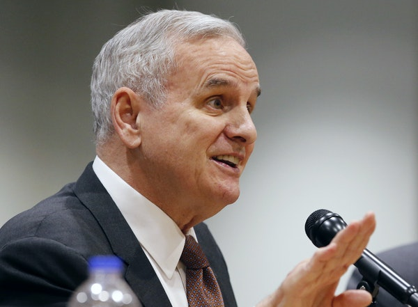Gov. Mark Dayton must handle the sometimes-competing priorities of clean water and the state's agriculture economy in an election year.